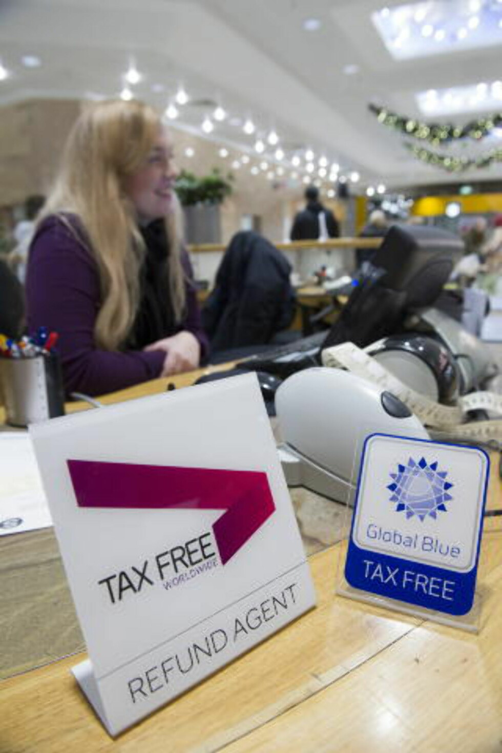 TAXFREE: Du får pengene tilbake i informasjonssenteret på kjøpesentrene. Foto: JOHN TERJE PEDERSEN