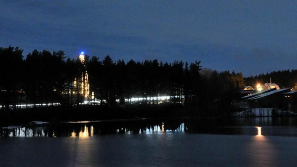 JULEHUS:  Riksvei ni går rett forbi huset til familien Strømstad. Foto: Privat