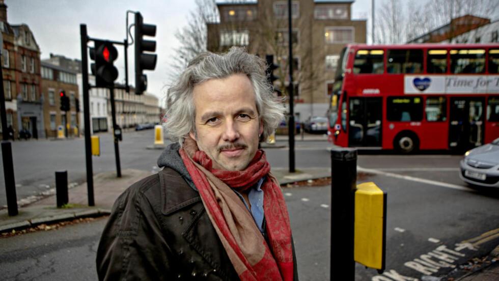 NYTER FRIHETEN: I høst flyttet Ari Behn (40) sammen med familien til London. - Jeg nyter det bare enda mer enn jeg trodde, sier han om London-livet. Foreløpig er planen å bli værende i den britiske hovedstaden i to år. Foto: Lars Eivind Bones / Dagbladet