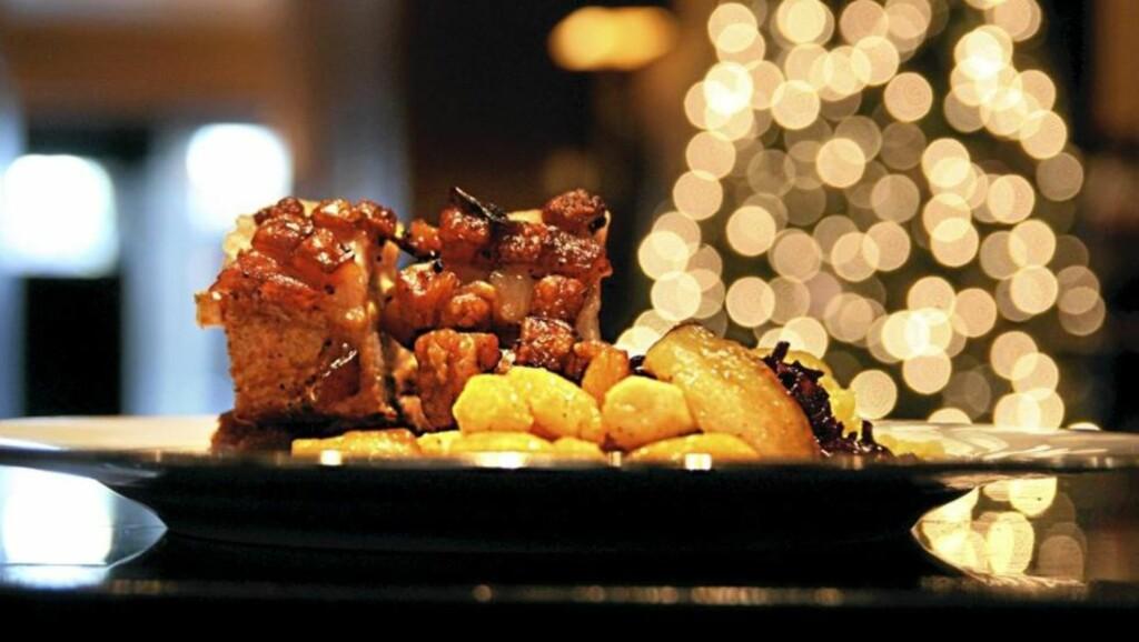 HELLSTRØMS OPPSKRIFT: Over halvparten av Norges befolkning spiser ribbe i kveld. Med denne oppskriften er du garantert suksess. FOTO: Erik Hannemann