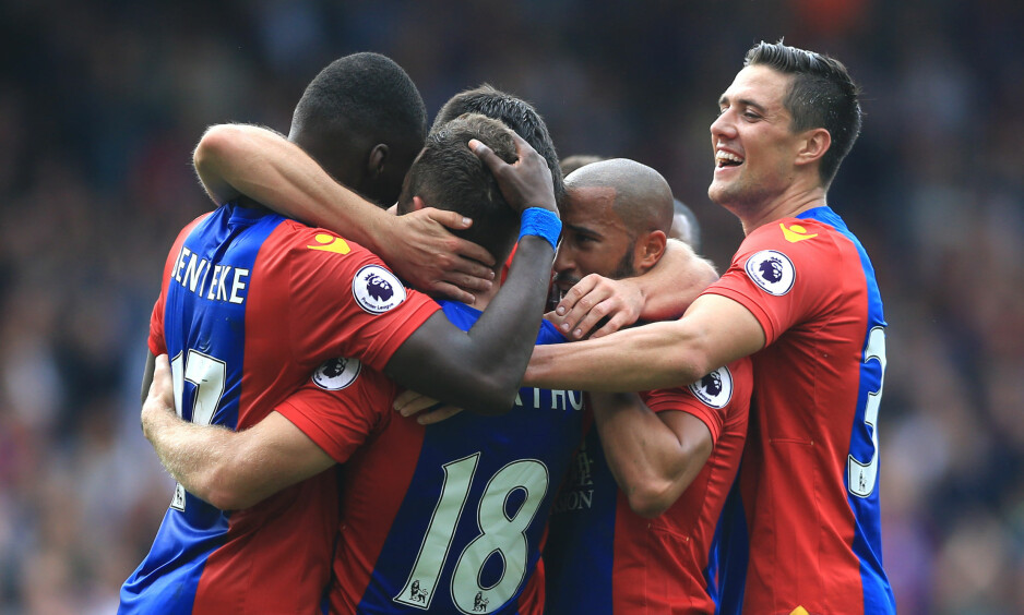 Crystal Palace's James McArthur (second left) celebrates scoring his side's third goal of the game against Stoke City.