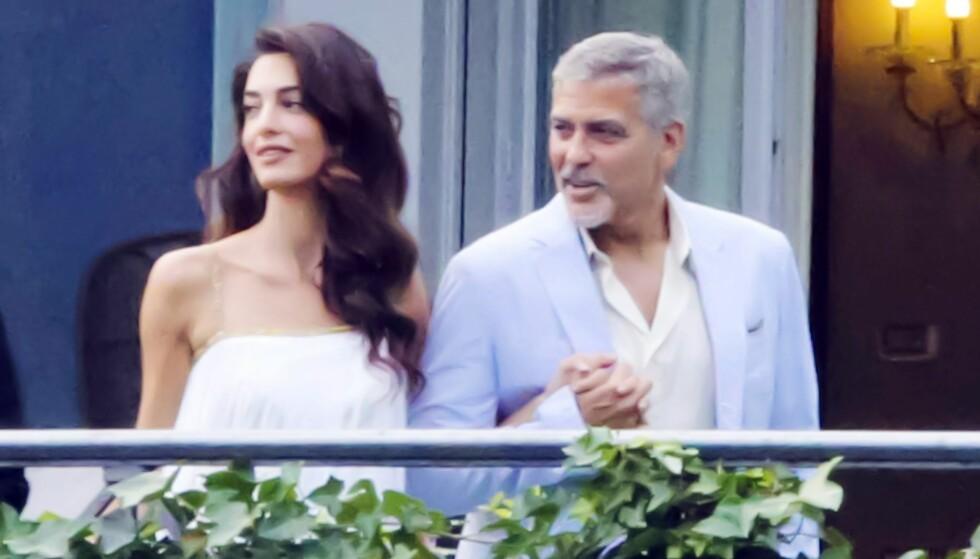 STJERNESTØTTE: Menneskerettighetsaktivisten Amal Clooney giftet seg med hollywoodstjerne George Clooney i 2014. Slik ble hun verdensberømt. Foto: XPOSUREPHOTOS.COM