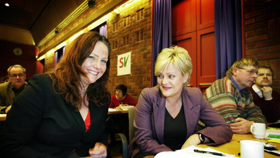 ANGRER: Heidi Sørensen  (Sv) sammen med Kristin Halvorsen på fylkesårsmøtet til Oslo i 2006. FOTO KURT T. PEDERSEN / DAGBLADET