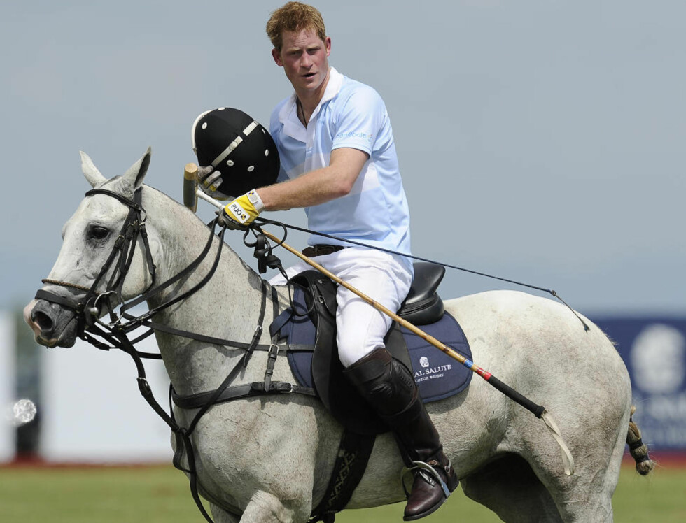 FACEBOOK-MYSTERIE: Har Prins Harry hatt et hemmelig liv på Facebook og holdt kontakt med venner under psevdonym? Foto: AFP / NELSON ALMEIDA / NTB scanpix