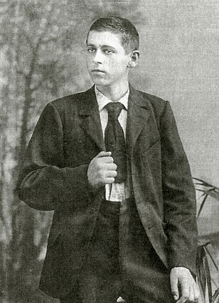 A young Anders J. Smedsvik in Mumbai, early 1900s. Photo: Priavte