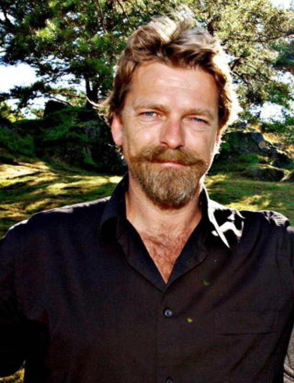 FORFATTER HÅVARD REM sitter i juryen og vil også introdusere Ingvild Utvik på scenen under Oslo kulturnatt 14. september. Han mener Ingvild i sitt vinnerdikt har «fanget en huggende rytme. ...ikke bare en diktrytme, men også en livsrytme.» Foto: ØRJAN SVENDSEN / DAGBLADET
