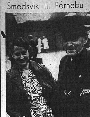 COMING HOME: Smedsvik at the airport in Oslo with his daughter Sylvia. Clipping from Haugesunds Avis