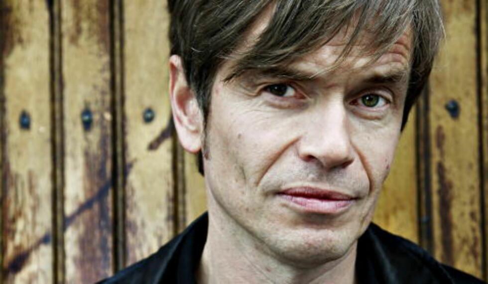 KJETIL ROLNESS: Artikkelforfatteren er sosiolog, forfatter og foredragsholder. Også kjent som Jens Pikenes, sanger i Penthouse Playboys. Foto: Nina Hansen