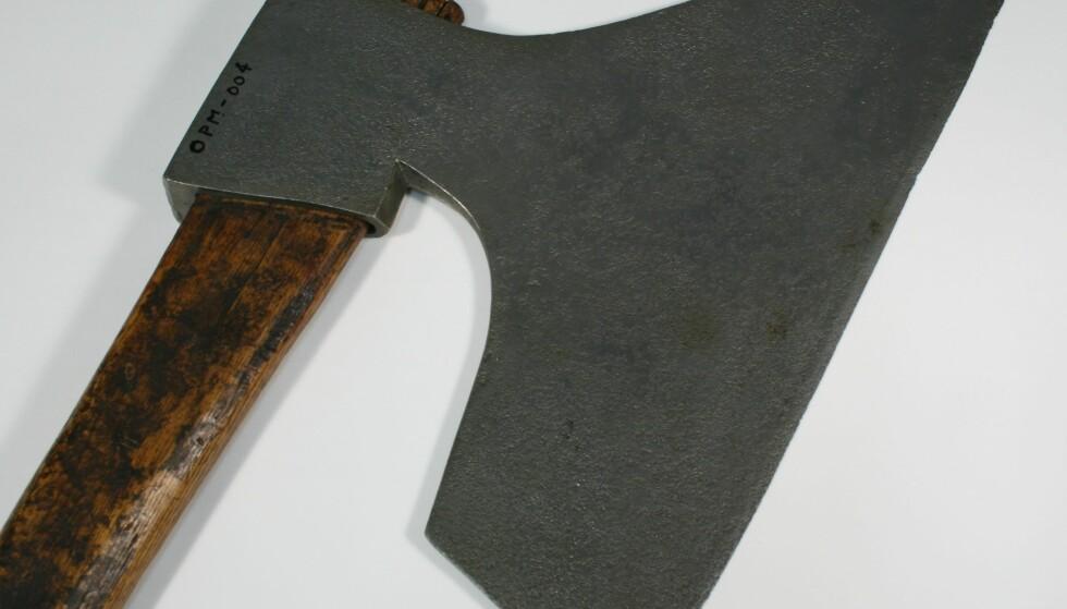HENRETTET: Med denne øksen ble Narumseie drept etter at han ble dømt til døden for et av Norges-historiens verste massedrap. Foto: Norsk rettsmuseum.
