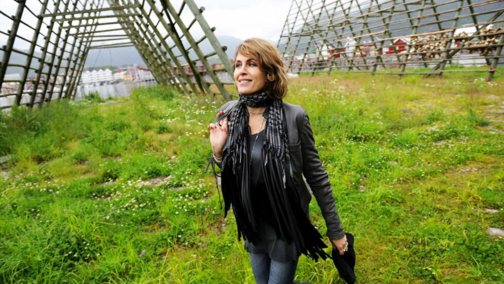 HJEMME: «E du nord», synger Kari Bremnes på sitt nye album «Og så kom resten av livet». Her er hun fotografert i Svolvær i Lofoten, der hun vokste opp. Foto: Erik Berglund / Dagbladet