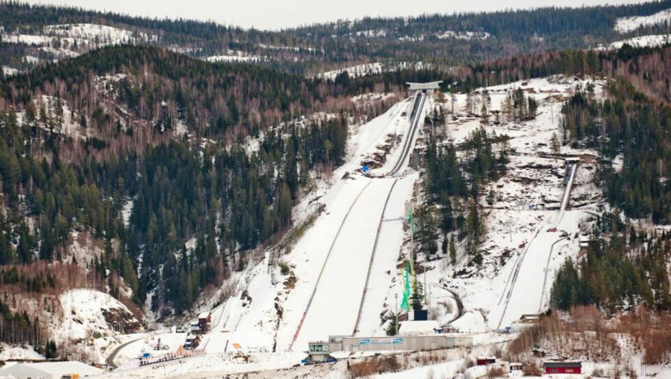 NORSK FORDEL: Vikersundbakken, verdens største skiflygningsbakke, kan styrke en norsk OL-søknad dersom skiflyging blir OL-gren. Foto: Thomas Rasmus Skaug / Dagbladet
