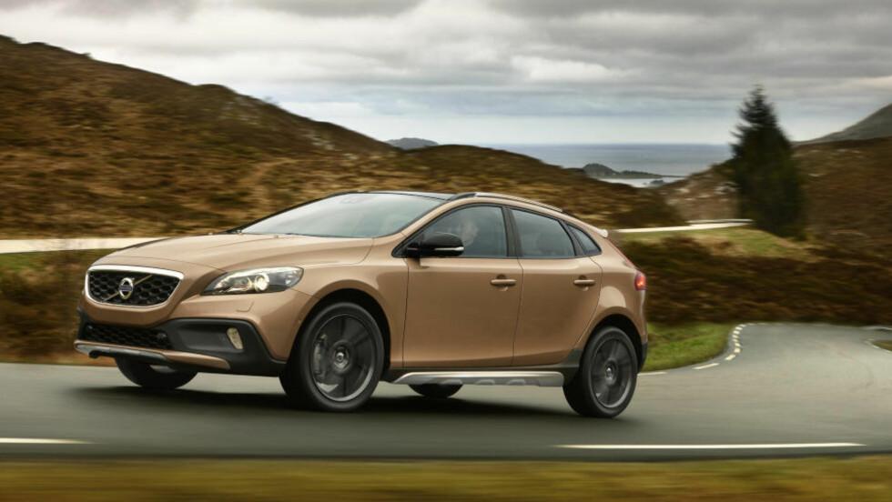 KOMMER PÅ NYÅRET: Nye Volvo V40 Cross Country. Alle foto: Volvo
