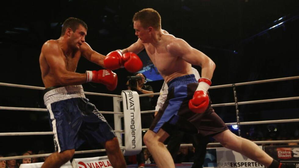 DEBUT:: Alexander Hagen vant sin kamp i lett tungvekt mot Nikola Matic i lørdagens bokstevne i Frederikshavn. Foto: NTB Scanpix