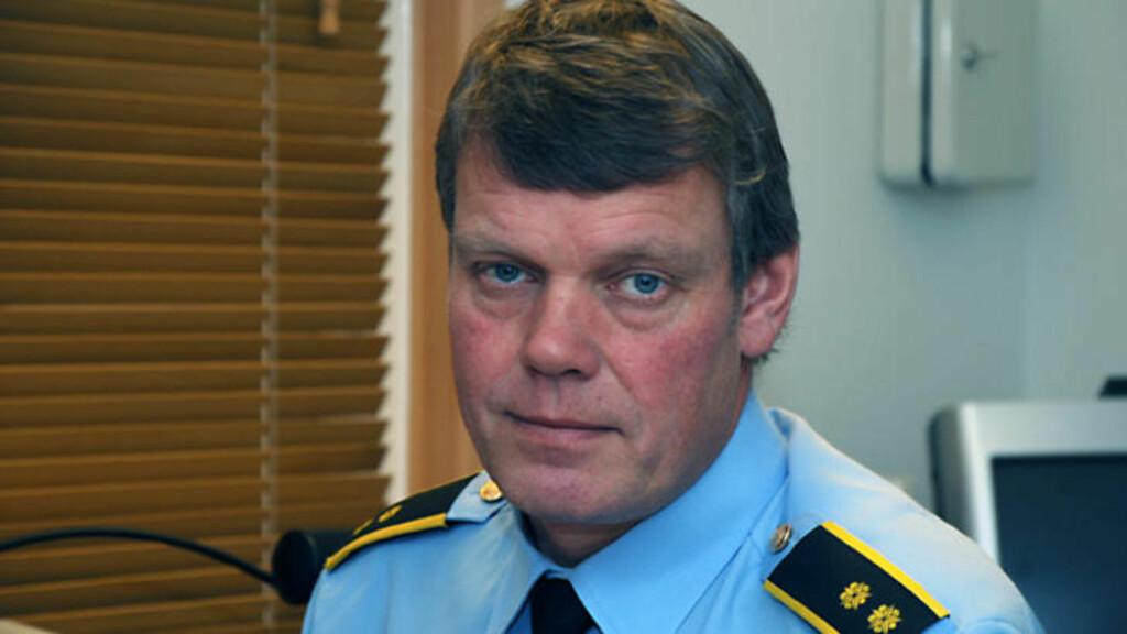 ASYLBRANN: - Vi har ikke fått beskjed om at noen er skadet ennå, sier operasjonsleder Petter Aronsen ved Vestfold politidistrikt til Dagbladet klokka fem på halv fem i ettermiddag. Foto: Politiet