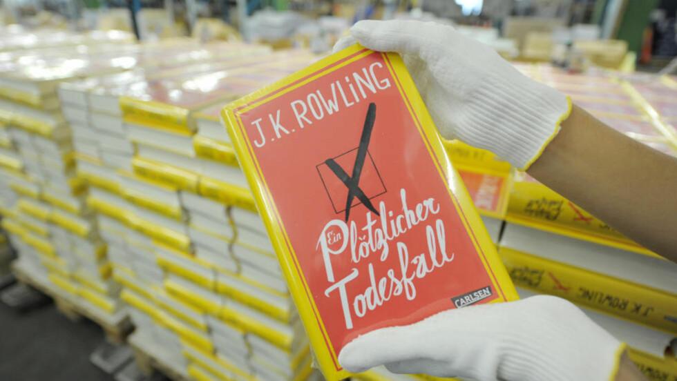 ENORM OPPMERKSOMHET:  I dag lanseres J.K. Rowlings første roman for voksne, 'The Casual Vacany'. Den har vært godt beskyttet, og i dag kommer de første anmeldelsene. Foto:Franziska Kraufmann / NTB Scanpix
