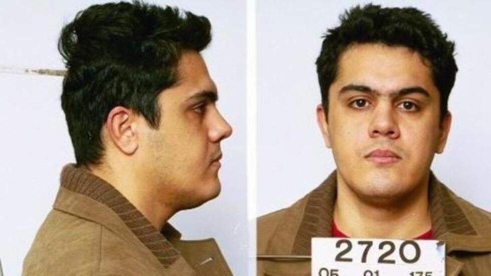 ETTERSØKT FOR VOLDTEKT: Karwan Tahsin Mohyeldin (35) er dømt for to overfallsvoldekter i Borgarting lagmannsrett. Han var ikke varetektsfengslet, og valgte å rømme landet mens rettssakene mot ham gikk. Foto: Interpol.
