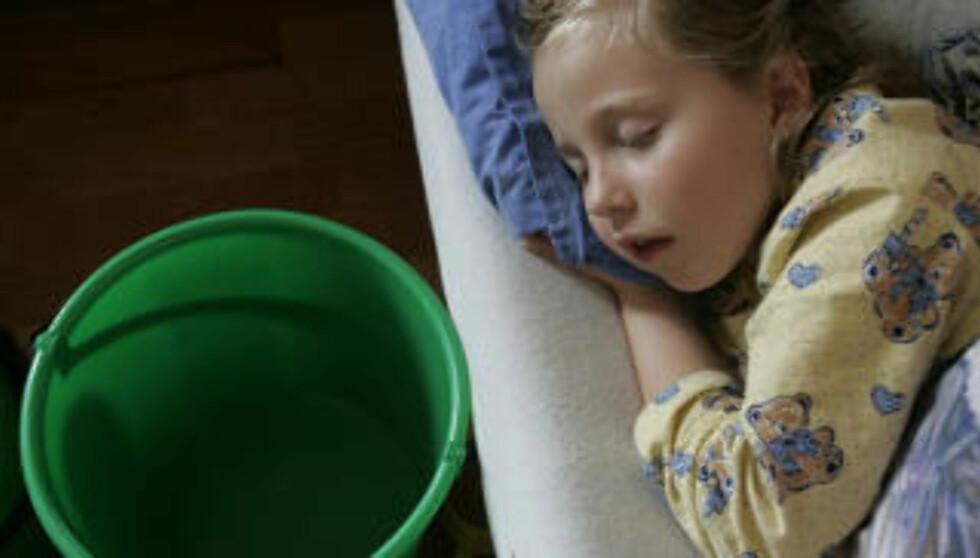 BRA FOR MAGEN: Barn som mister væske når de enten kaster opp eller har diaré, trenger påfyll av væske som inneholder både salter og sukker. FOTO: Colourbox