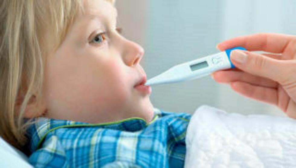 SLAPP OG SYK: Det viktigste når det gjelder syke barn, er at de får i seg nok væske, og gjerne en væske som inneholder noen kalorier. FOTO: Thinkstockphoto