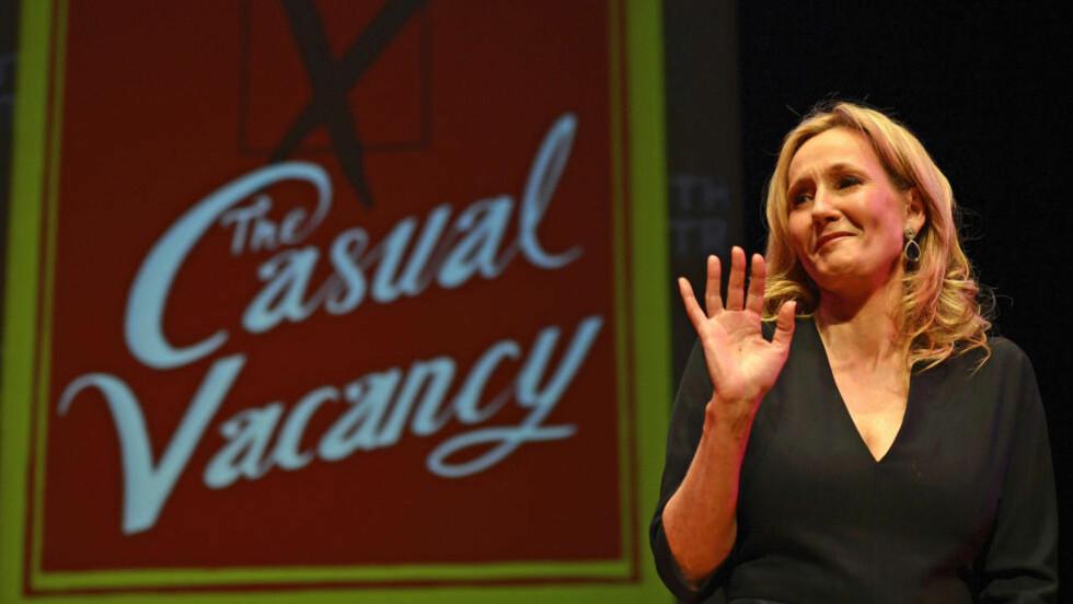 FLÅSETE: J.K. Rowling lar karakteren Fats dra en vits på en sikhjentes bekostning i «The Casual Vacancy». Det blir ikke godt tatt imot. Foto: Paul Hackett / Reuters / NTB Scanpix