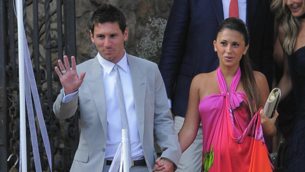 MINIMESSI: Lionel Messi og Antonella Roccuzzo venter sitt første barn. Foto: SCANPIX/AP/Manu Fernandez