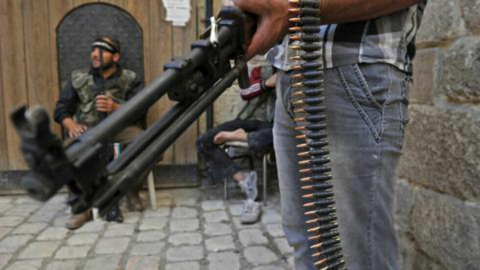 TERROR:  Syriske opprøere og internasjonale terrorister - blant annet al-Qaida - har kontrollover deler av Syria. Norske islamister kjemper sammen med opprørerne. Foto: Tauseef Mustafa / AFP PHOTO/