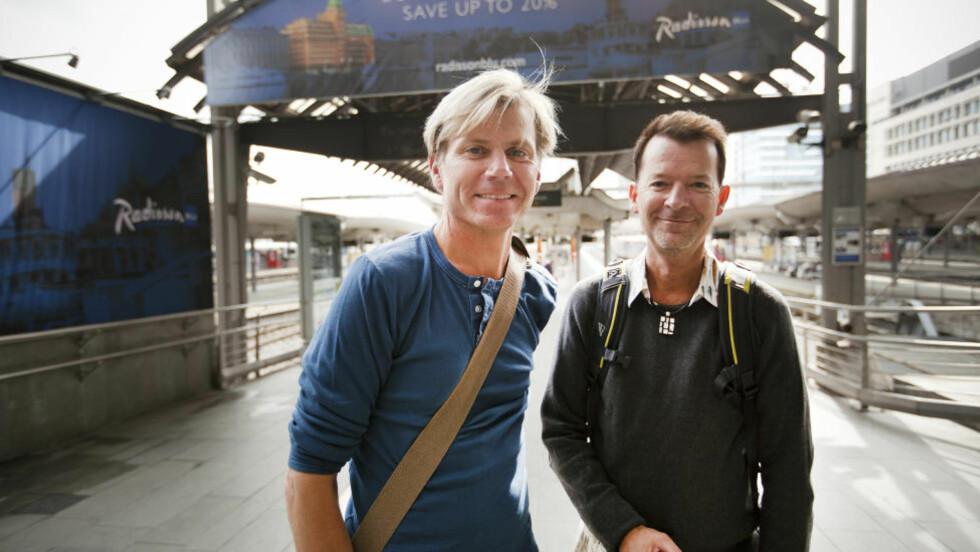 SPENTE DØGN:  Trond Rødsmoen (46) og Andre Hansen (46) har fulgt nøye med på utviklingen i vekterstreiken de siste dagene. Foto: Hilda Nyfløt / Dagbladet