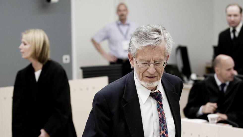 PROFESSOR: Einar Kringlen fotografert i det han gjør seg klar til å vitne. Foto: Bjørn Langsem/Dagbladet
