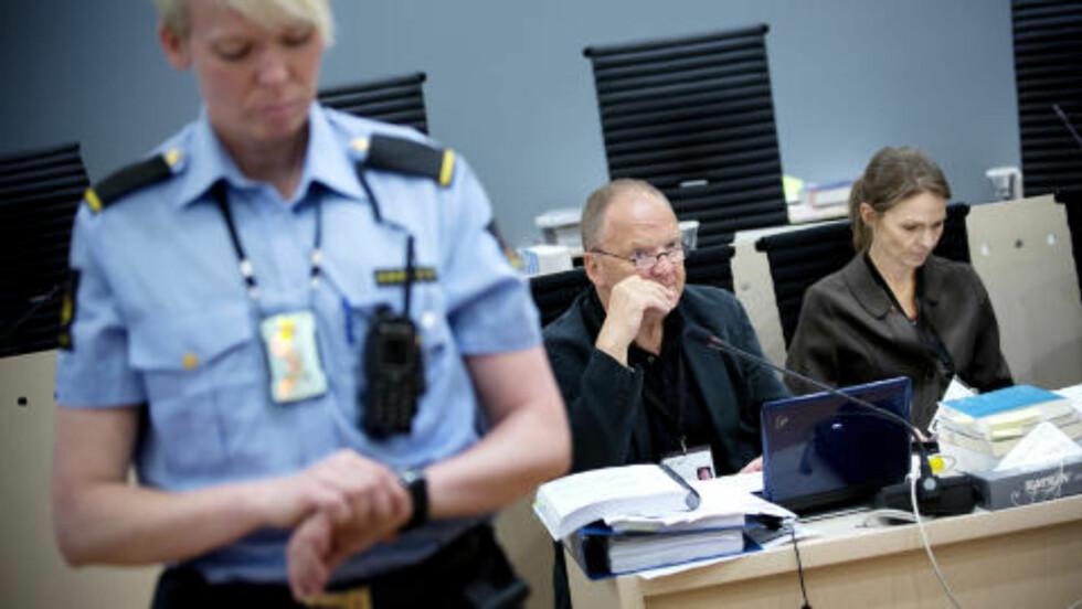 PÅ OVERTID: Retten brukte så lang tid på vitnemål onsdag at Torgeir Husby og Synne Sørheim aldri fikk begynt på redegjørelsen om Beiviks psyke. De starter derfor i morgen tidlig. Foto: Tomm W. Christiansen/Dagbladet