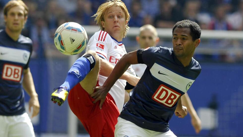 HAR SLITT BENKEN: Per Ciljan Skjelbred fikk det tøft i møte med Hamburg og Bundesligaen. Men klubben har fortsatt tro på at nordmannen skal blomstre. Foto: REUTERS/Morris Mac Matzen/SCANPIX