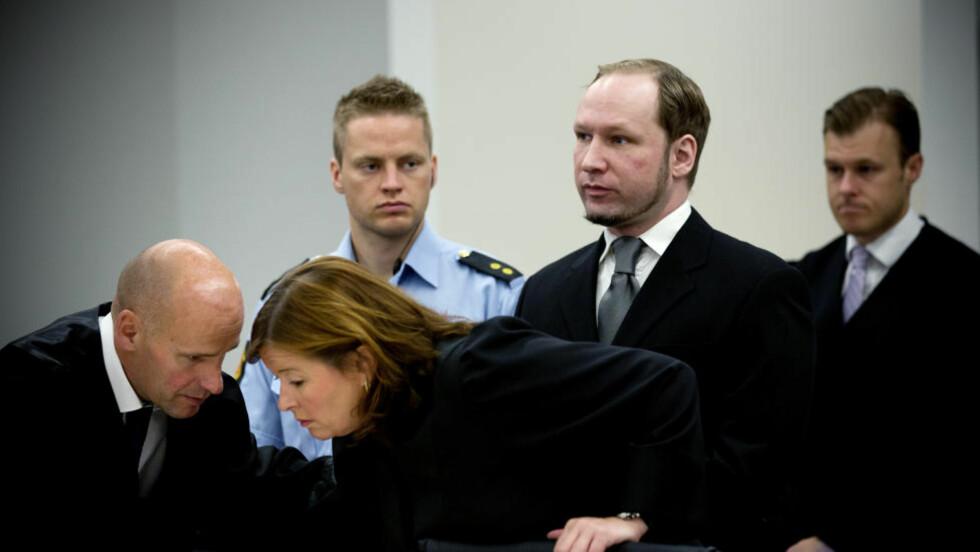 DELVIS MEDHOLD: Sensitive opplysninger om Breiviks barndom og forholdet til mor skal ikke kringkastes, bestemte retten i dag - etter en begjæring om lukkede dører fra 33-åringens mor. Også Breivik har motsatt seg fokus på sin barndom. Foto: Tomm W. Christiansen
