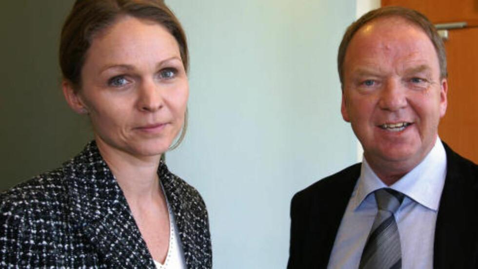 2003: Rettspsykiaterne Torgeir Husby og Synne Sørlien i rettssalen i 2003 i forbindelse med et drap på en kvinne på Romsås.   Foto: Knut Fjeldstad / NTB Scanpix