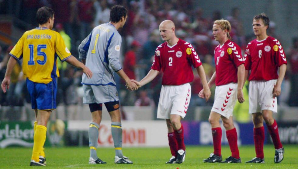 BRODERLIG: Insinuasjonene haglet etter at Sverige og Danmark sendte Italia ut av EM 2004 med 2-2 i siste gruppespillkamp. Nå kan italienerne havne i samme situasjon igjen. Foto: SCANPIX