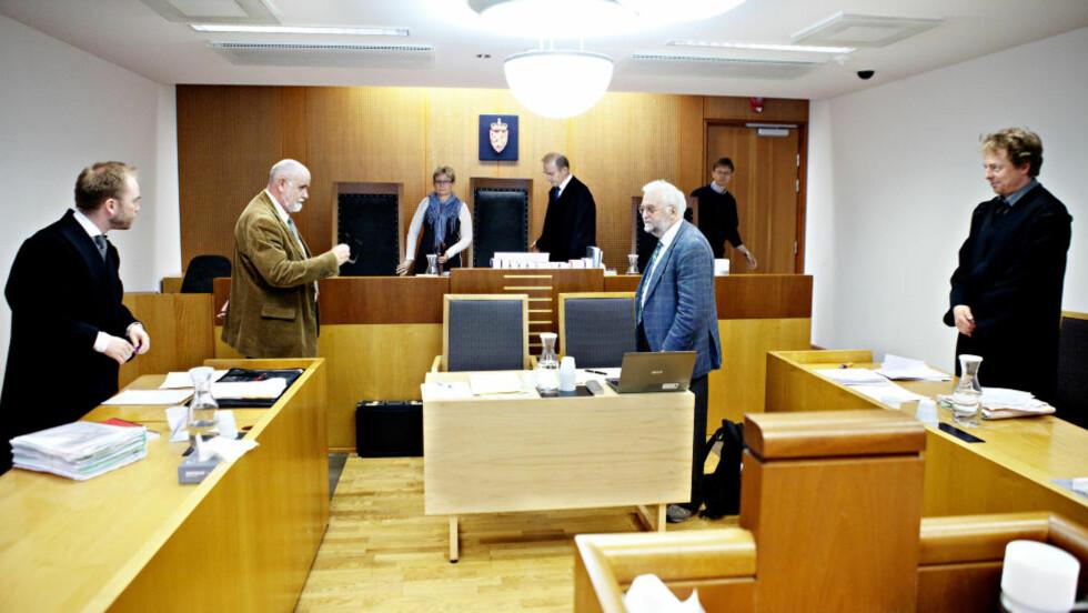 I RETTEN I SJUENDE ETASJE: Politiadvokat Steinar Hermansen, psykiaterne Steinar Hauge og Pål Abrahamsen, og advokat Arne Seland. Foto: Nina Hansen / Dagbladet