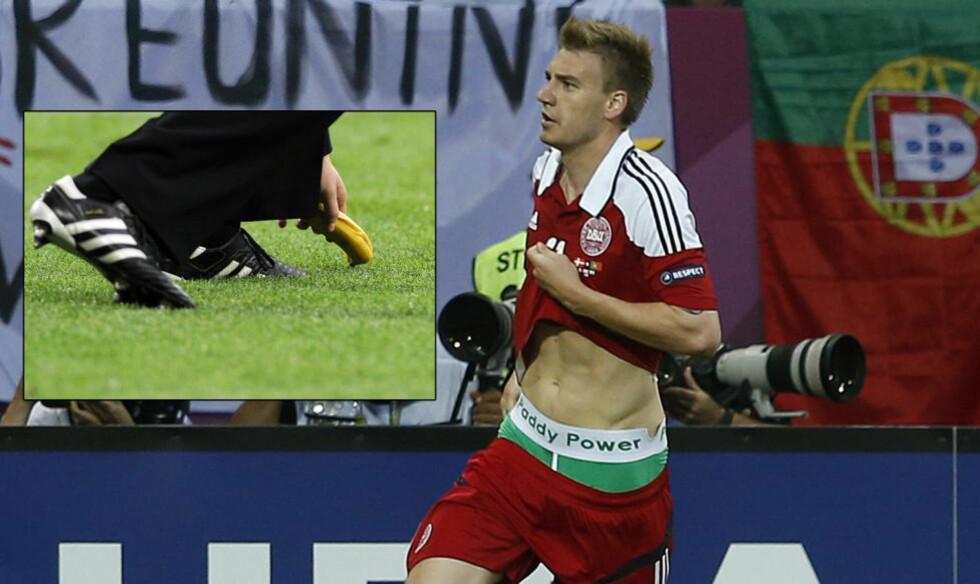 BANAN OG TRUSE: Nicklas Bendtner fikk 750 000 kroner i bot etter å ha vist denne trusa. Det kroatiske fotballforbundet fikk 600 000 kroner i bot for tribunebråk og rasehets mot Mario Balotelli. Foto:   EPA/GERRY PENNY/ REUTERS/Eddie Keogh