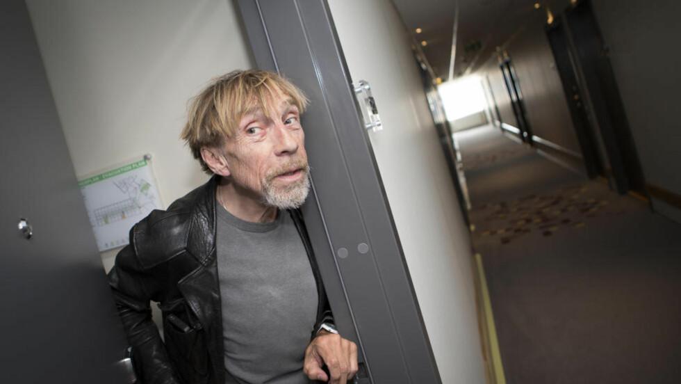 Sky: Til vanlig gjemmer Jahn Teigen seg i Sverige. I Trondheim måtte han gå på hotellrommet da det ble for mye oppmerksomhet fra folk på gata. Foto: Ole Morten Melgård