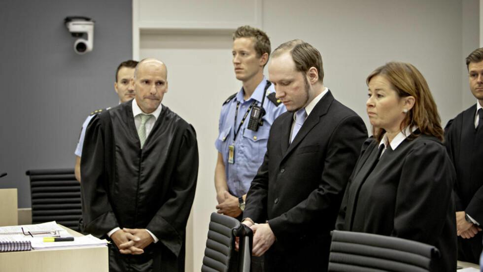 <strong> - TILREGNELIG:</strong>  Forsvarer Geir Lippestad har vært klar på at han vil prosedere på at Anders Behring Breivik var tilregnelig 22. juli, i tråd med Breiviks eget ønske. Her før retten ble satt i dag.  Foto: Lars Eivind Bones / Dagbladet
