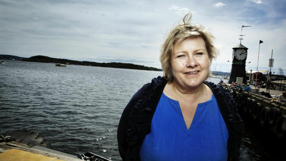 ERNA ER STJERNA:  Ikke bare gjør Høyre sitt største hopp på Dagbladets partibarometer siden 80-tallet. Nå er Erna Solberg også den mest populære partilederen og den foretrukne statsministeren framfor Aps Jens Stoltenberg. Foto: Christian Roth Christensen / Dagbladet
