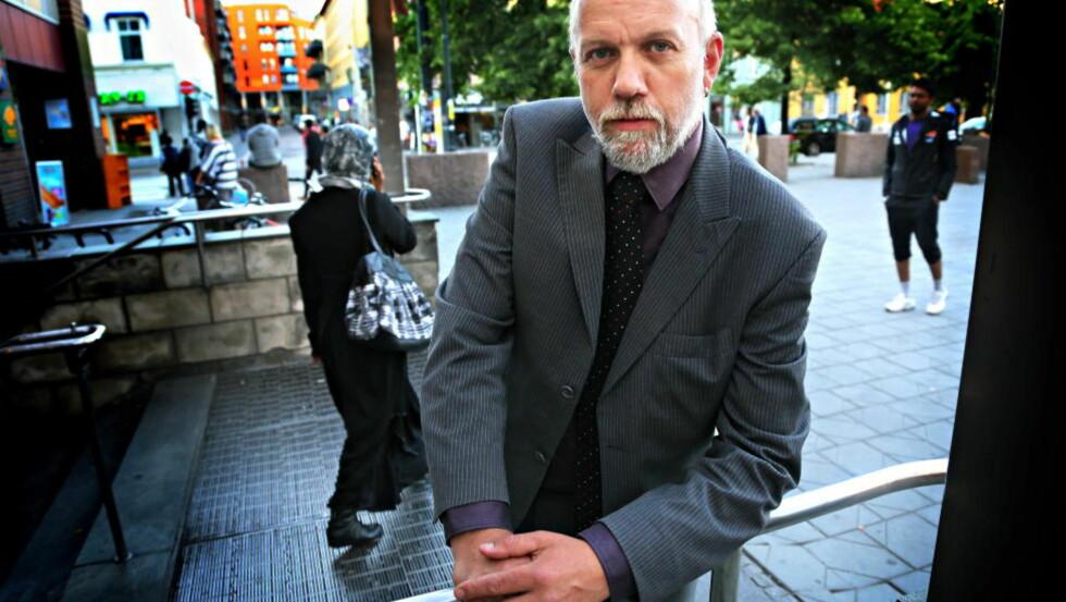 - KOMPLETT SKANDALE:  Stortingsrepresentant fra Morten Ørsal Johansen (frp) karakteriserer løslateløsen av de internerte asylsøkerne som skulle sendes ut av landet slik: - En komplett skandale. Foto: Jacques Hvistendahl