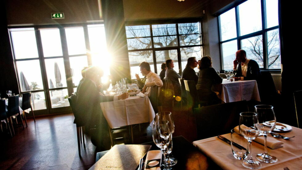 Oslo edelstein: Ekebergrestauranten er kanskje byens flotteste restaurantlokale. Da fortjener gjestene bedre mat enn det som serveres her oppe. Foto: Thomas Rasmus Skaug / Dagbladet