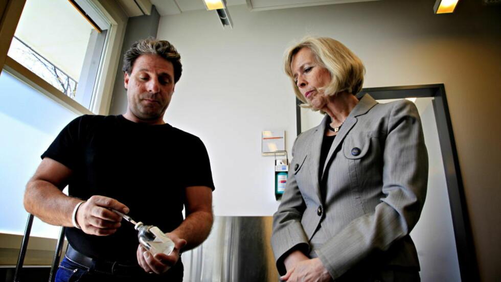 HEROINBEHANDLING:  På studietur i Sveits i mars, fikk helseminister Anne-Grete Strøm-Erichsen fordype seg i erfaringer som er gjort med heroinassistert behandling. Det fikk ministeren til å åpne for at det samme kunne prøves ut i Norge. Foto: Jacques Hvistendahl