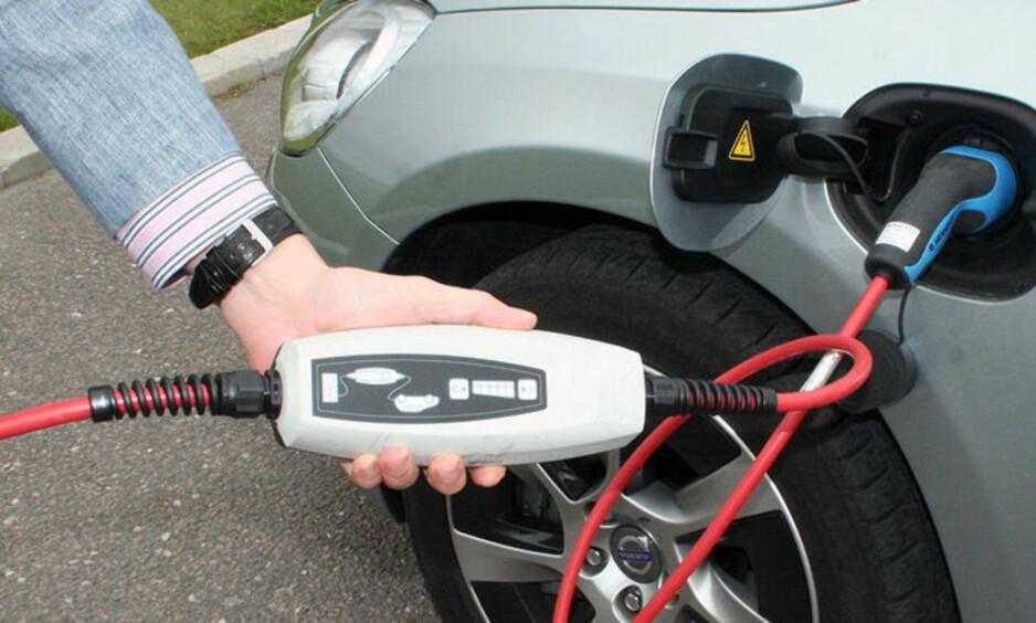 TETT: Av alle verdens elbiler ruller nesten én av ti på norske veier. Foto: NTB Scanpix