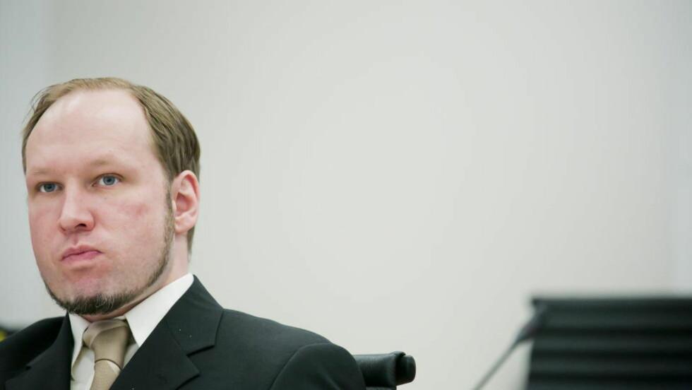 PÅ TWITTER? Antirasistisk senter har tatt til orde for at Anders Behring Breivik ikke skal få kommunisere med omverdenen og publisere tekster. Egne regler for Breivik vil få uholdbare konsekvenser, mener Jon Wessel-Aas.  Foto: Heiko Junge / NTB scanpix