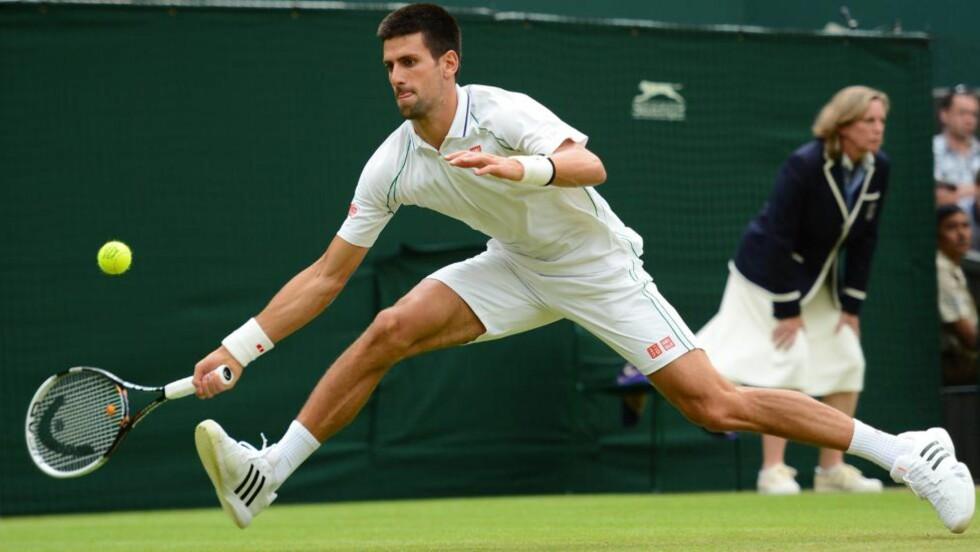 GOD FOREHAND: Serbias Novak Djokovic i aksjon. Foto: SCANPIX/AFP/LEON NEAL