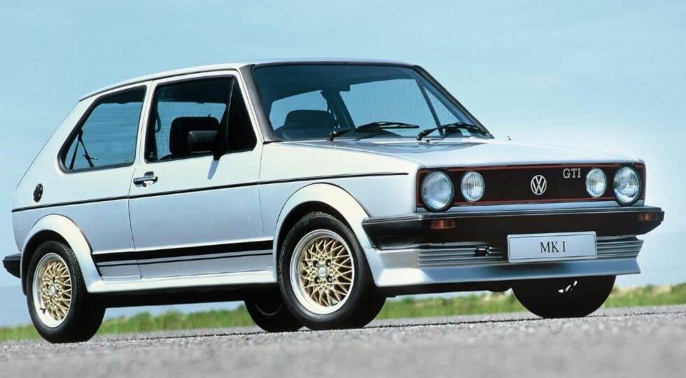 LEGENDE: Første generasjon Golf GTI er legendarisk, og det vises på prisene. Det som i utgangspunktet var en relativt billig morobil, koster nå opp mot 150 000 kroner. FOTO: Volkswagen