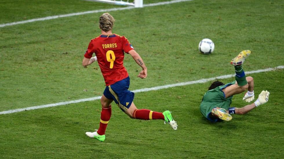 Fernando Torres snøt Mario Gómez for tittelen som målkonge i EM. Det gjorde han med sin assist til Juan Mata to minutter før slutt i finalen. Foto: AFP PHOTO / JEFF PACHOUD