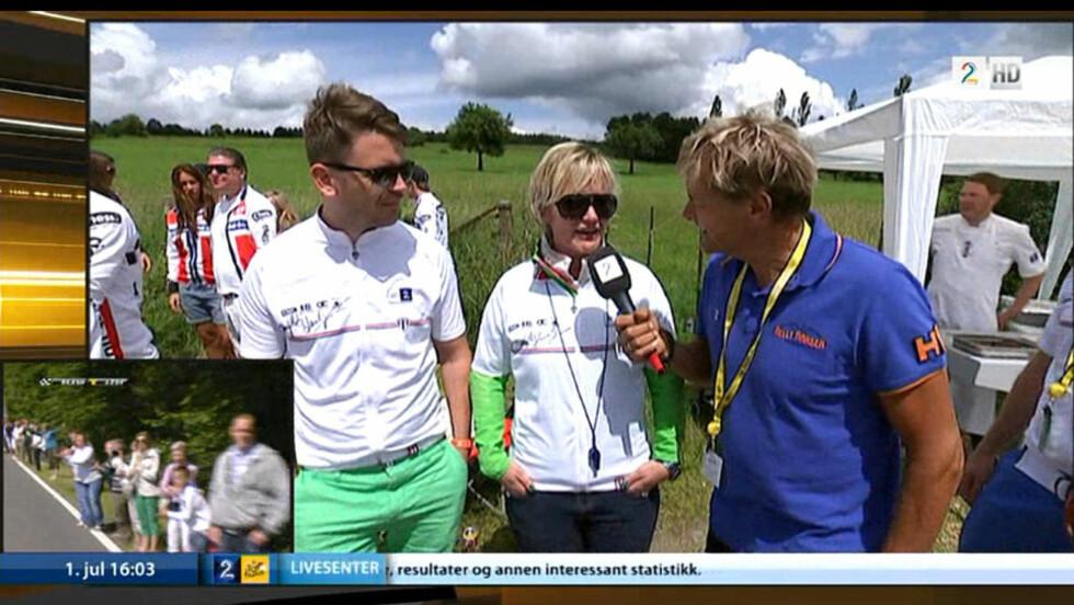 INTERVJUER EGNE SPONSORER:  I et flere minutter langt innslag i søndagens Tour de France-sending intervjuer reporter Dag Otto Lauritzen fire representanter av TV2s sponsore. Foto: Grap av TV2s sending