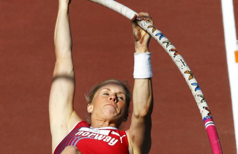 VIL SÅ GJERNE TIL OL: Cathrine Larsåsen håpet på å komme over 4,42 meter som er OL-kravet, men lyktes ikke. Foto: Lise Åserud / NTB scanpix