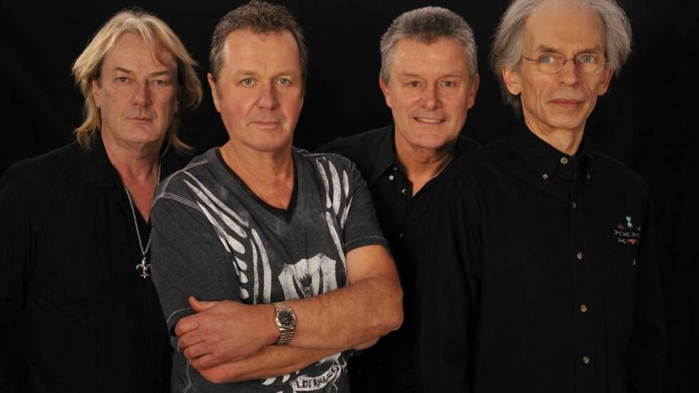 SUPERGRUPPE: Asia i 1982 -og i 2012 -er Geoff Downes (f.v.), John Wetton, Carl Palmer og Steve Howe.