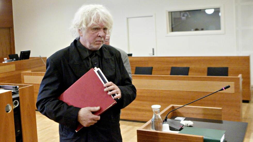TROLIG I FENGSEL: Odd Nerdrum ønsker å sone straffen hjemme, men straffen han har fått er trolig for lang til det. Her er han i Borgarting lagmannsrett. FOTO: TORBJØRN BERG / DAGBLADET