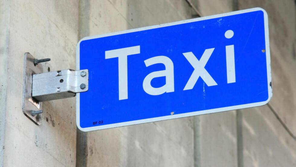 ARBEIDSFLITTIGE KARER: De to taxisjåførene som hadde vært på byen i Søre i natt, ville på jobb selv om de kanskje burde ha gått hjem. Ill-foto: Colourbox.
